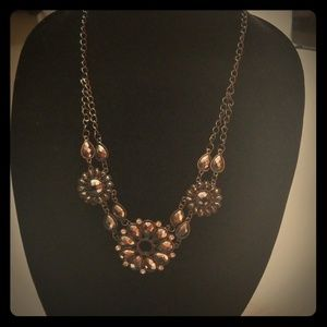 Jewelry - Fashion necklace. Nice gift. Black/silver